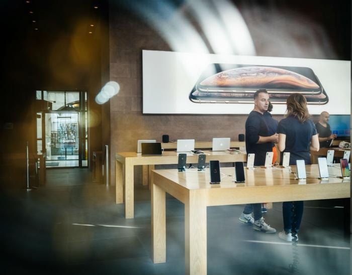 Choosing the wrong iPhone 12 plan could cost consumers hundreds extra per year