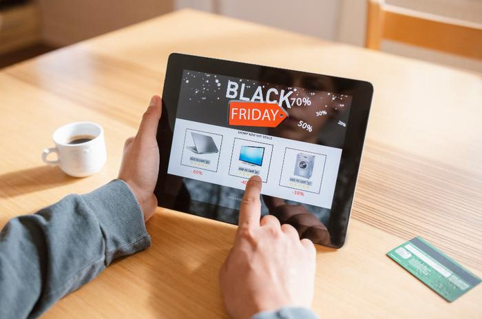 Black Friday online spending sets new U.S. record