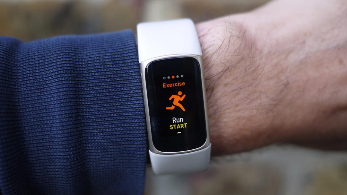 Fitbit Charge 5 exercise