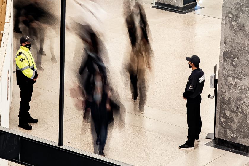 Access control, customer service among top security guard responsibilities